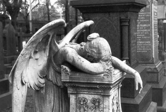 weeping-angel-statue-2